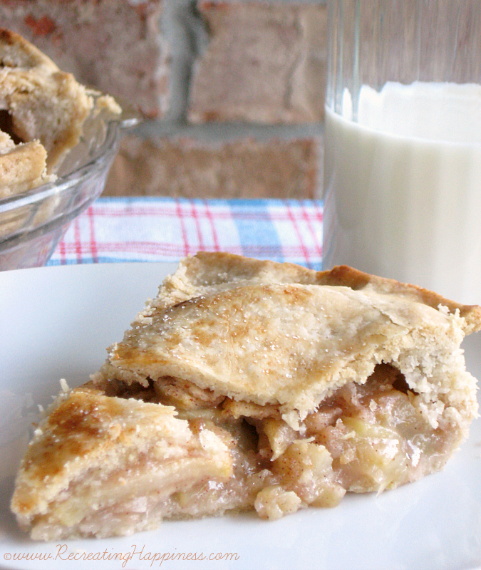 Classic {gluten free} Apple Pie | http://recreatinghappiness.com