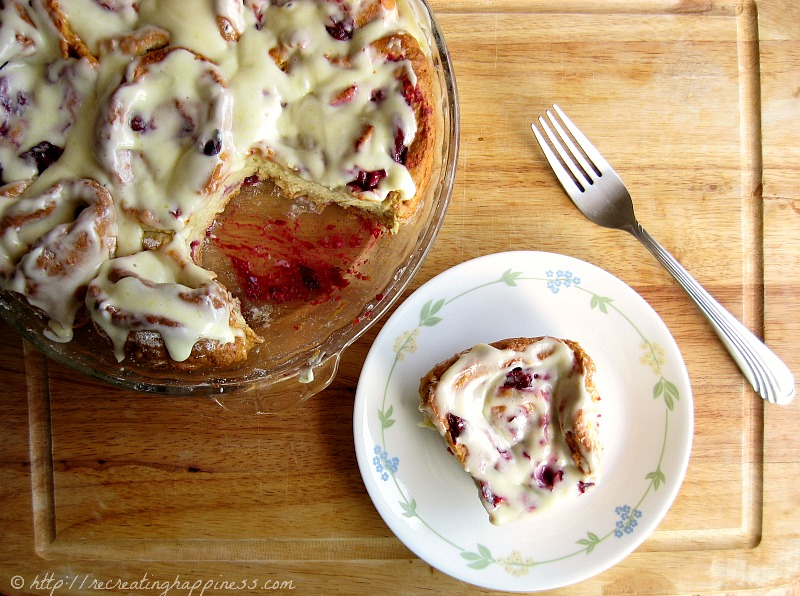 Gluten Free Cranberry Rolls | Orange Cream Cheese Icing | Perfect holiday breakfast & a little bit healthier than cinnamon rolls!