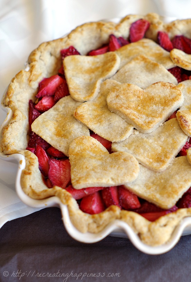 4-ingredient FRESH Strawberry Pie {with GLUTEN FREE crust!}